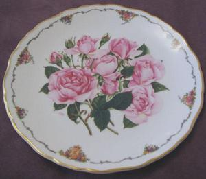 ROYAL ALBERT 'THE QUEEN ELIZABETH' LIMITED EDITION PLATE