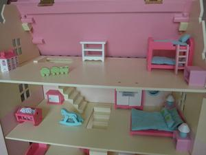 Rosebud Dolls House (Deluxe) with furniture and family