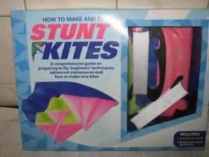 STUNT KITE KIT & INNER TUBE & LIGHT/ HORN