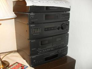 Sony Hi-Fi system with turntable - untested