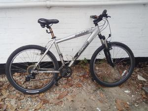 Specialized Hardrock sport hardtail mountain bike