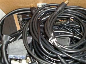 TV CONNECTORS/LEADS