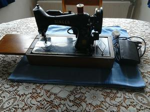 Vintage Singer 99K Electric Sewing Machine with case
