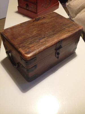 Wooden jewellery/storage chest