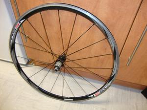 shimano 700c (622x15c) racing bike rear wheel clincher.