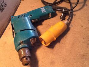 110volt drill reversable