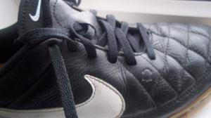 Nike Tiempo Leather Football Trainers - Black / white size 5