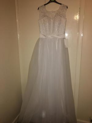 Size 12 Wedding Dress!
