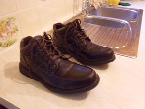 Stout walking boots
