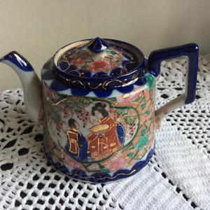 Vintage small Japanese tea pot