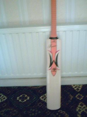 WoodwormPremierFlame Cricket Bat