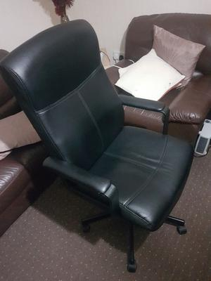 Computer or Office Black leather chair, Full adjustable, excellent condition