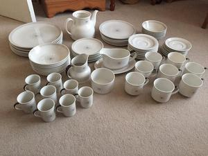 TC  MORNING STAR ROYAL DOULTON FINE BONE CHINA 77 PIECES