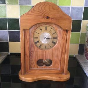 Antique finish pine pendulum mantelpiece clock