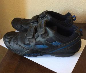 GEOX shoes size 39, in good condition