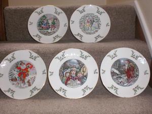 Royal Doulton Christmas Plates x 5