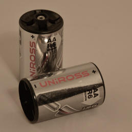 Uniross AA to D Size Battery Converter
