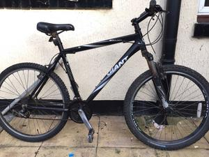 "Giant Boulder Mountain Bike. 21"" Frame Large. 26"" Wheels."