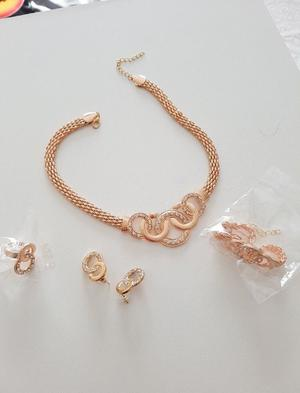 Gorgeous Gold Plated Jewellery set