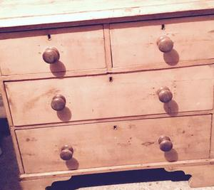 Pretty vintage chest of drawers