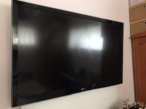 "LG 47LV450U 47"" Full (p) HD LED television"
