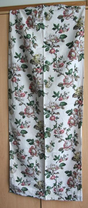 PAIR OF VINTAGE FLORAL CURTAIN MATERIAL