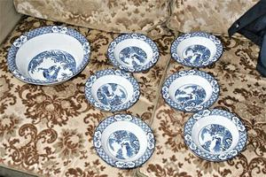 Wood & Sons Yuan Blue And White China Fruit Bowl Set