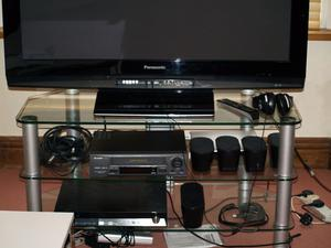 DWELL TELEVISION STAND
