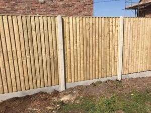 feather edge fence panels x4 6x5 slot posot class. Black Bedroom Furniture Sets. Home Design Ideas
