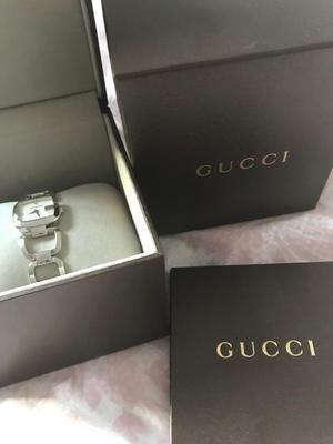 Gucci Ladies Diamond watch