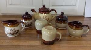 JUST REDUCED FOR QUICK SALE teapot, 2 cups with 2 matching sugar bowls & 2 milk jugs selling cheap