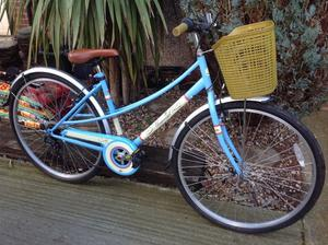 Ladies bicycle ideal city/ commuter bike