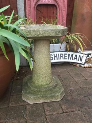 Vintage stone garden bird bath / feeder