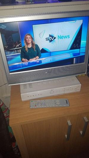 "19"" Sony Bravia flat screen tv with remote control"