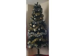 5ft Christmas tree with all decs and 2 sets of lights £10