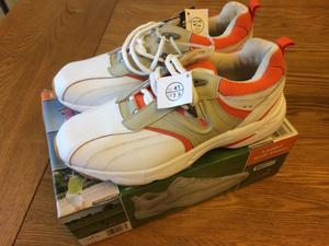 GOLF SHOES Ladies Brand New boxed size 7.5