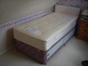SINGLE DIVAN BED WITH MYER`S DOUBLE SPRUNG MATTRESS