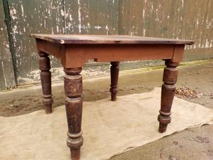 Victorian Oak Table on Turned Legs (c.'s) - *Free Local Delivery