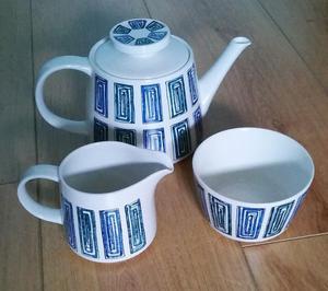 's Ridgway Ondine Tea Pot, Milk Jug and Sugar Bowl