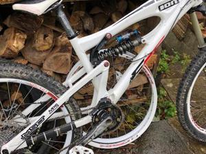 MSC F5 downhill bike