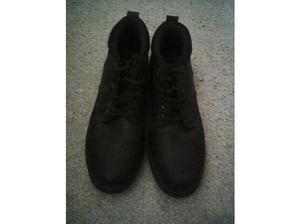 Brown boots size 10. Hardly worn. in Newport