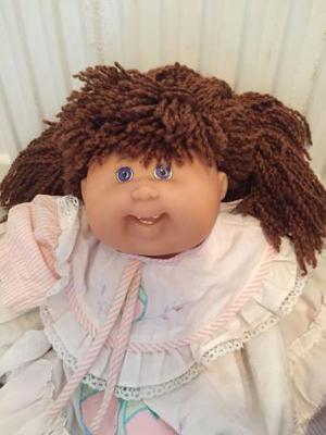 Lovely Vintage Cabbage Patch Kid brunette Girl Doll