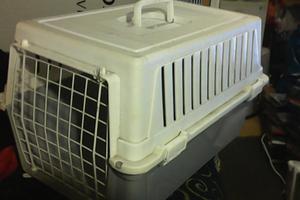 Pet carrier medium size