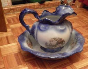 Staffordshire wash bowl & matching jug