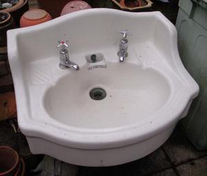 Emerald Vintage Hand Basin/ Sink