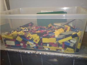 Large Tub of vintage lego  in Middlesbrough