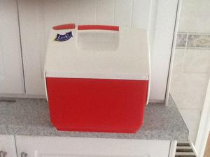Food cooling box red with ice pack