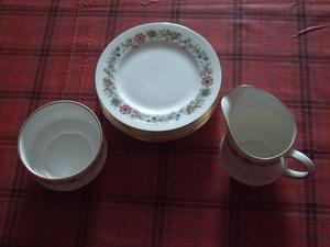 "PARAGON ""BELINDA"" BONE CHINA SUGAR BOWL MILK JUG & 7 PLATES"