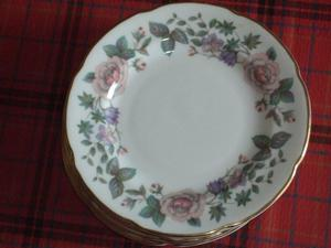 ROYAL GRAFTON BONE CHINA 8 SIDE PLATES SUGAR BOWL & MILK JUG