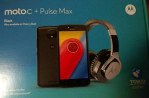 Moto c smart phone with pulse headphones